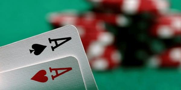 Cara Bermain Ultimate Texas Hold 'em Online